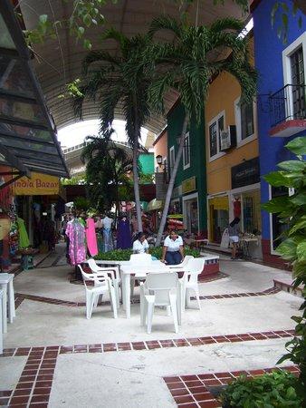 Hotel Ramada Cancun City: mercado 28