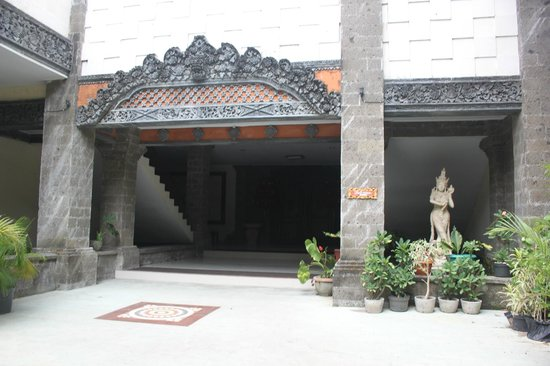 Puri Saron Seminyak: Hallways