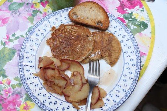 El Diablo y la Sandia Libres: Pancakes and apple