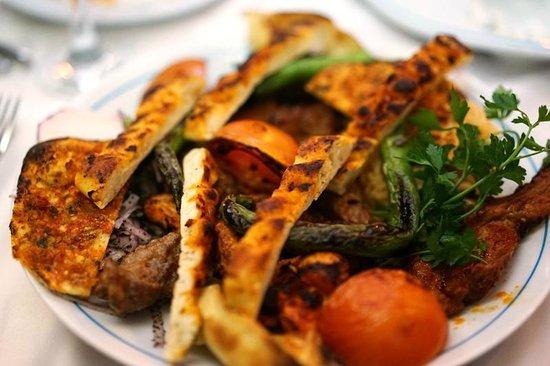 Sultanahmet Buhara Kebab House : kebab - OK.. tough meat!