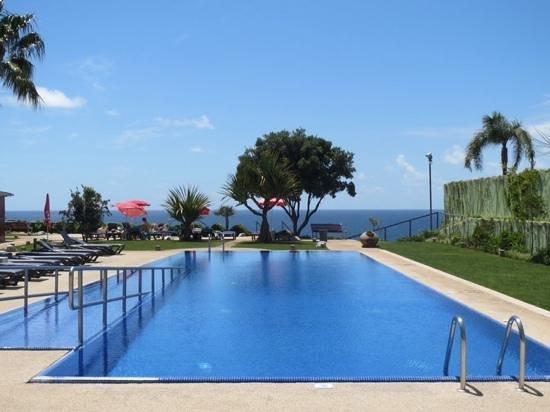 Golden Residence: piscine exterieure