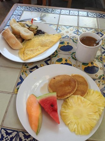 The Yellow House: The breakfast!
