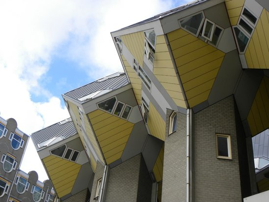 Kijk-Kubus (Show-Cube): Case cubiche
