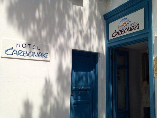 Hotel Carbonaki : Hotel entrance