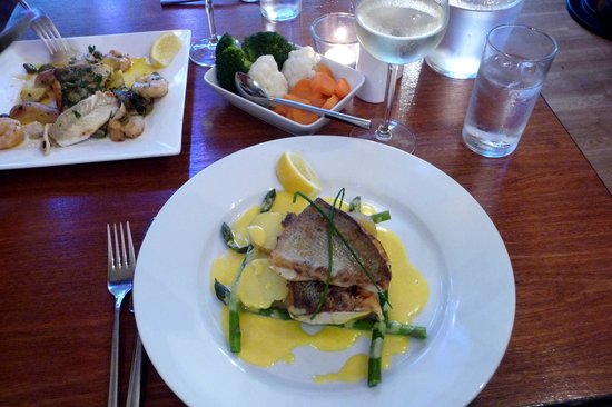 Bistro Forty Six: Sea Bass with Asparagus with Hollandaise Sauce
