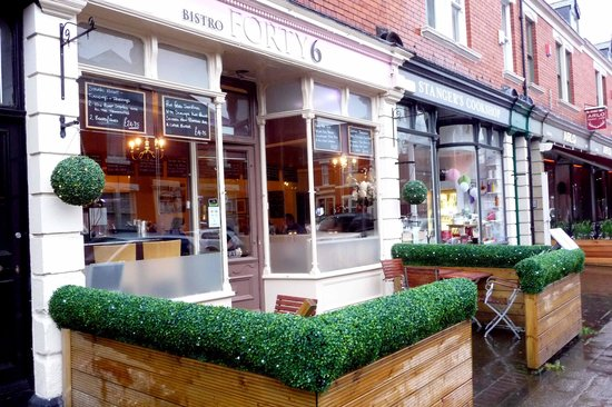 Bistro Forty Six: Small outdoor seating area - too wet, tonight!