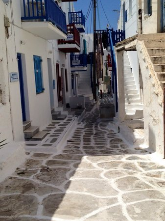 Hotel Carbonaki : Street leading to the hotel