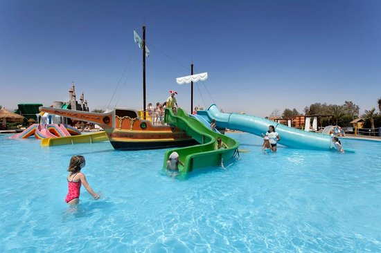 Aqua Blu Sharm: ship Slides