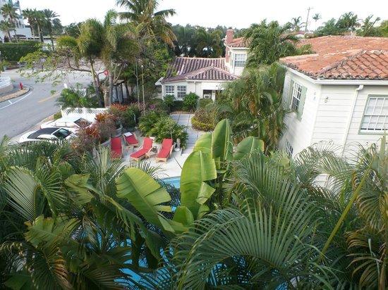 Granada Inn: View from upstairs courtyard