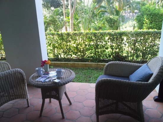 The Apsara Rive Droite : terrace to have your morning coffee