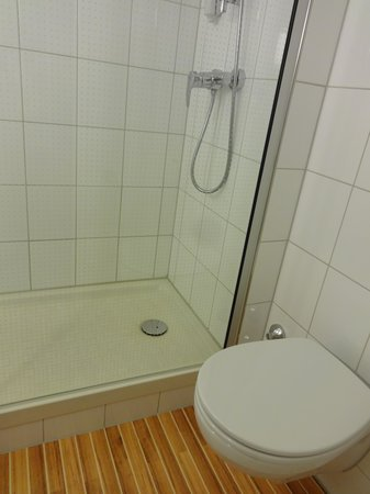 Hotel Ibis Schiphol Amsterdam Airport: Ванная