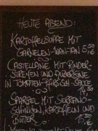 """Orfeo Bistro: Besagte """"Kartoffelsuppe"""" und Castellane ... (besagte Nudeln)"""
