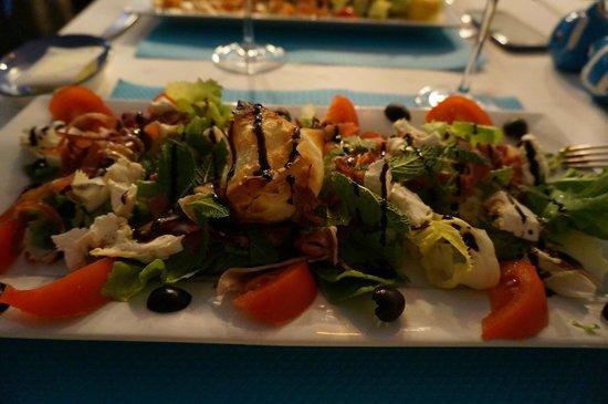 Au Petit Bouchon : Salada de Chevret! Uma delícia
