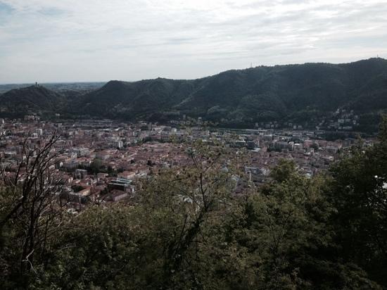 Camera Con Vista : Blick über das Zentrum von Chiavenna