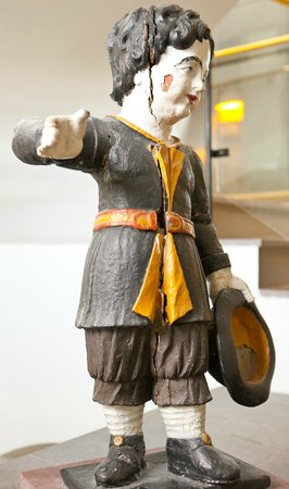 Victory Hotel: Wooden figure
