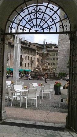 Scrigno del Duomo : Panorama dal cortile interno