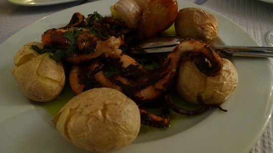 O Gimbras: Grilled Octopus