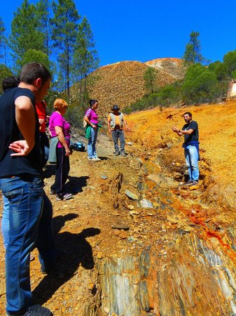 Fieldwork Riotinto: Atendiendo a las explicaciones
