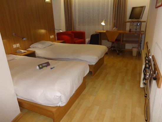 Hotel N°43 Styles Antwerpen City Center : комната