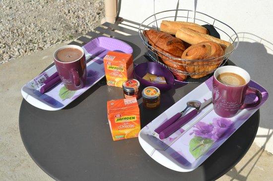 Villa Melanie: Petit dejeuner en terrasse au soleil