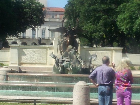 University of Texas at Austin: fountain on campus