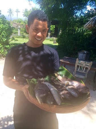 Hotel Tugu Lombok : Fresh fish selection for our dinner later on the beach.