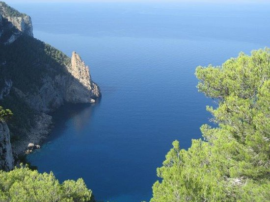 Santa Agnes de Corona, Spain: Can Pujolet Ibiza hotel rural acantilados Spain