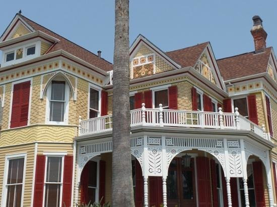East End Historic District: amazing attention to detail. One of my favorite houses.