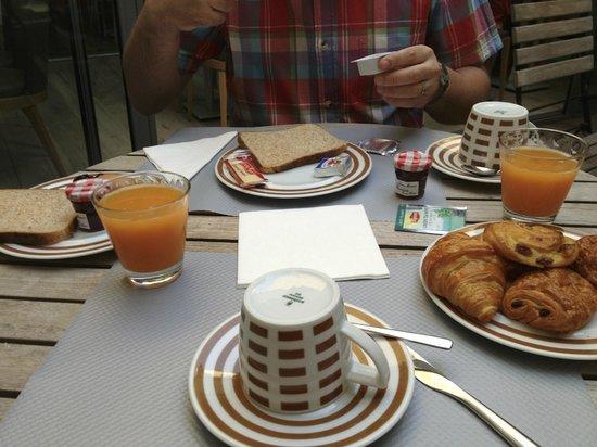 Hotel Daumesnil-Vincennes : Breakfast
