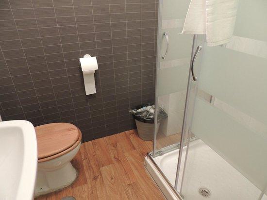 The Boutike Hostel : Banheiro