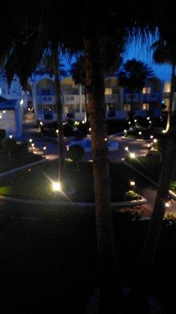 Reef Oasis Beach Resort : Территория отеля