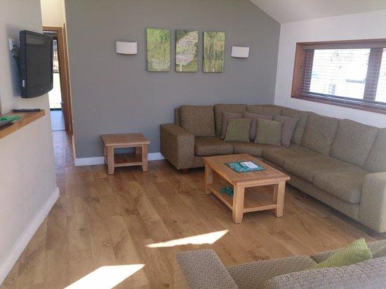 Forest Holidays Ardgartan Argyll, Scotland: lounge