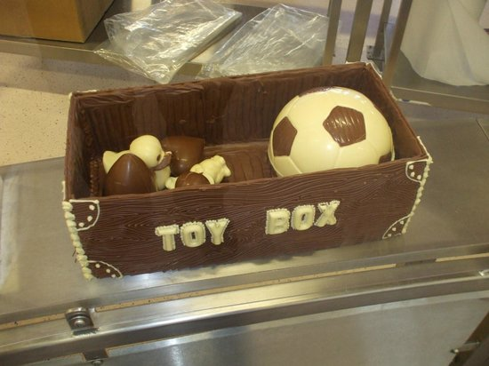 Cadbury World: Toy box made of chocolate