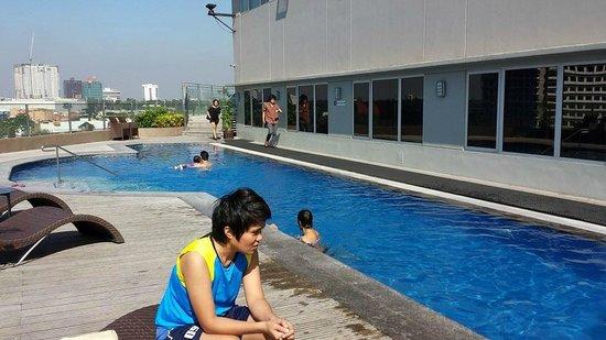 Acacia Hotel Manila : pool