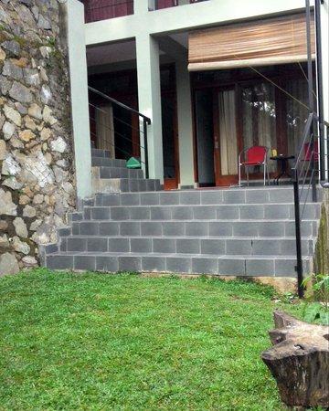 Rumah Kiboku Bed and Breakfast: garden & rooms