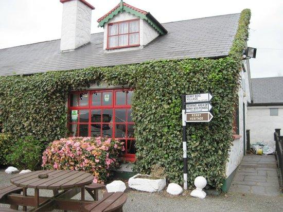 Kerry Bog Village Museum: Red Fox Inn