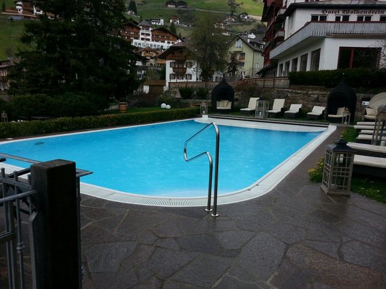 Boutique & Fashion Hotel Maciaconi - Gardenahotels: Piscina riscaldata all aperto