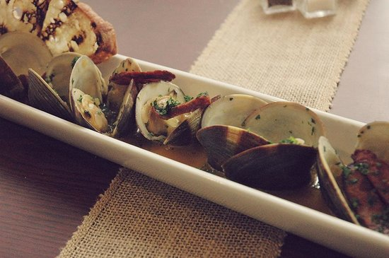 Mikuna Kitchen: Clams con Chorizo