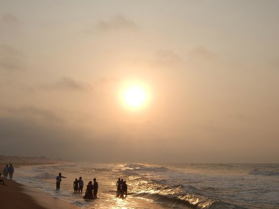 Sterling Puri: The sunrise at the beach
