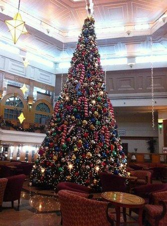 Century Park Hotel: lobby