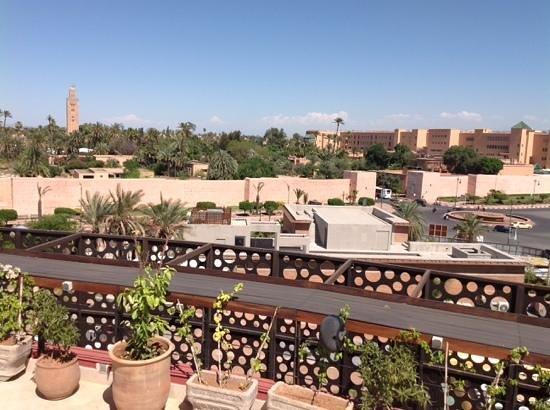 The Pearl Marrakech: vue de la piscine sur le toit