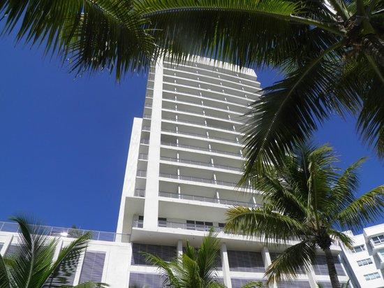 Grand Beach Hotel: FACHADA DEL HOTEL TRASERA