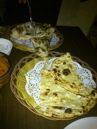 Ashoka India restaurant: naan