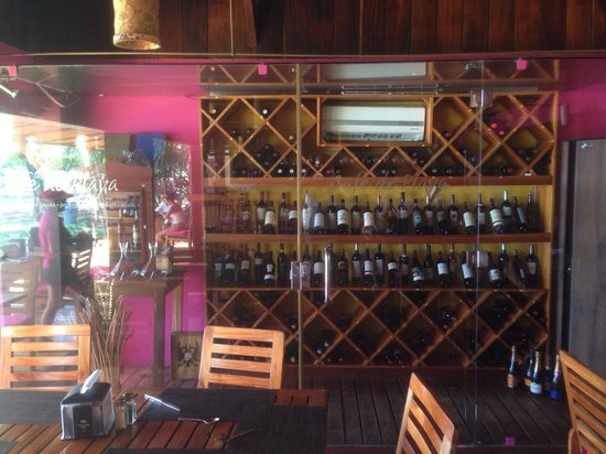 Cafe de Playa: Nice wine selection