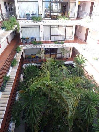 AlvorMar - Apartamentos Turisticos: Atrium from above