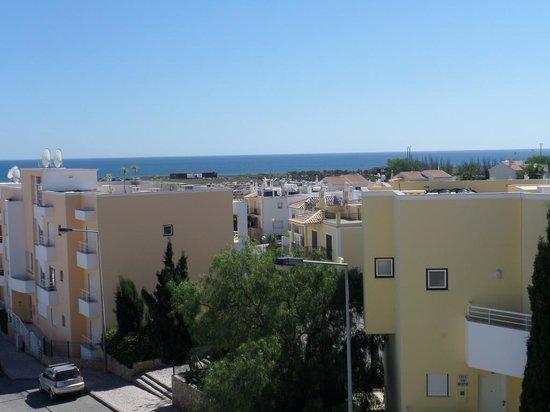 AlvorMar - Apartamentos Turisticos: Town side - afternoon & evening sun