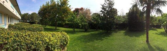 Hotel Residence La Ventola : I nostri spazi verdi....