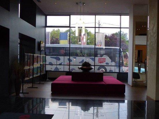 Ramada Oradea: Lobby/Reception