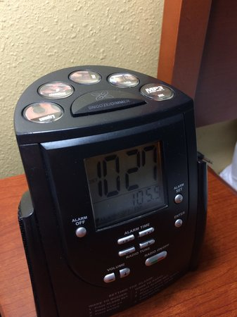 Hilton Garden Inn Orlando International Drive North: Radio and alarm:-)