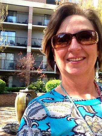 Doubletree Hotel Biltmore / Asheville: Terrace is lovely